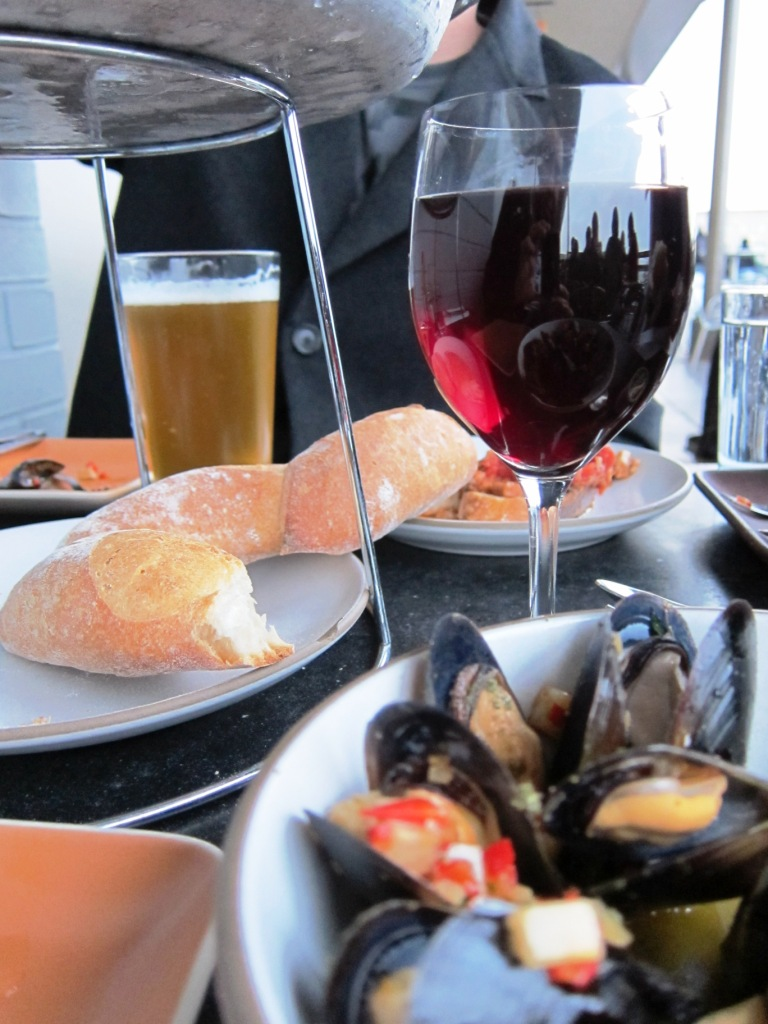 Mussels, Wine, and Bread